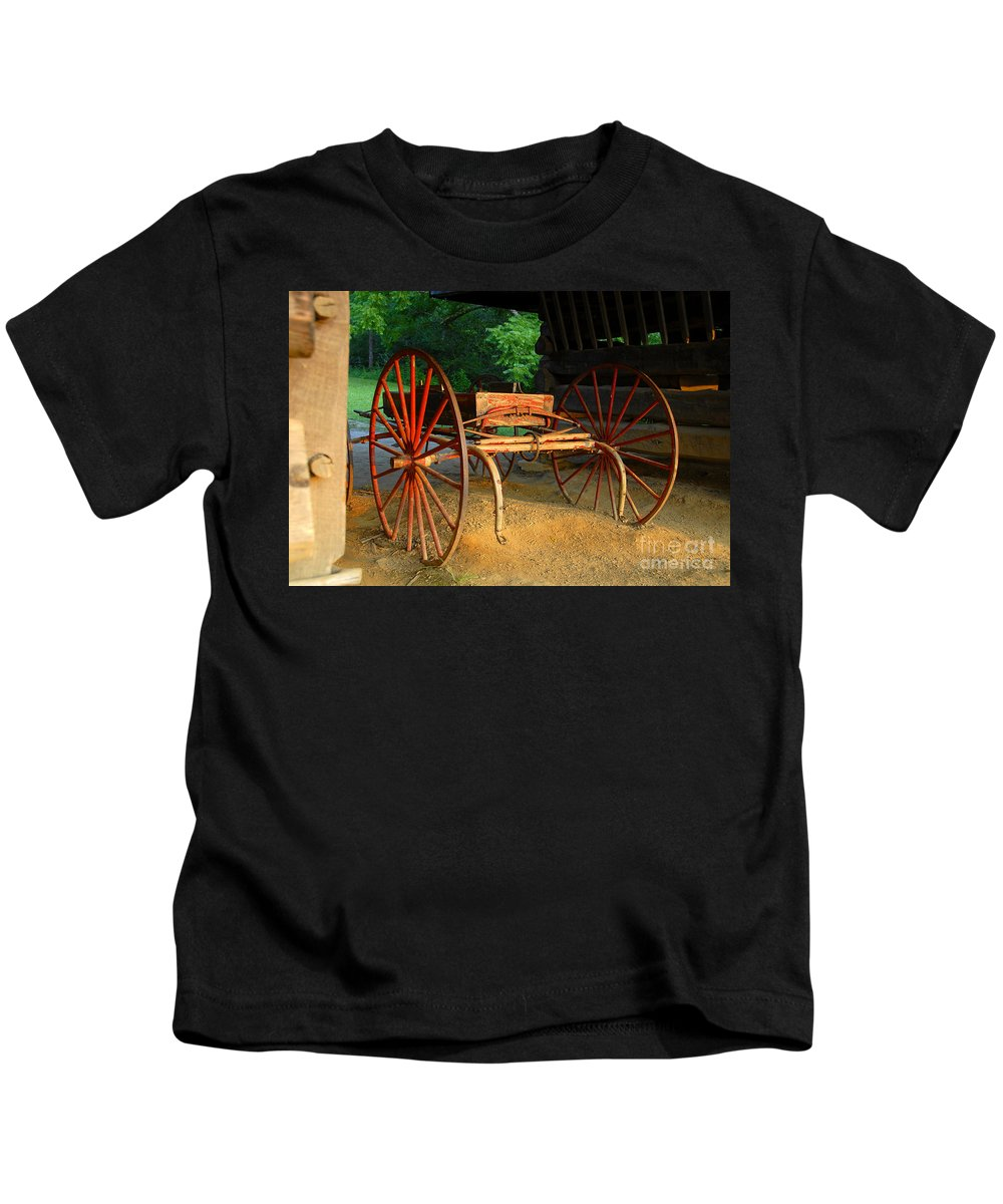 Red Kids T-Shirt featuring the photograph Little Red Buggy by David Lee Thompson