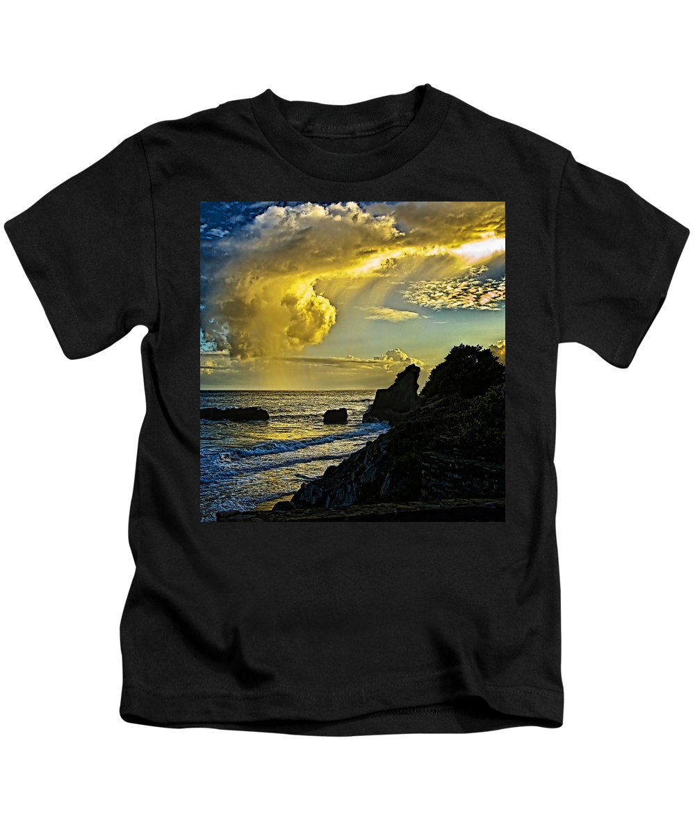 Stones Kids T-Shirt featuring the photograph Looking At The Sky by Galeria Trompiz