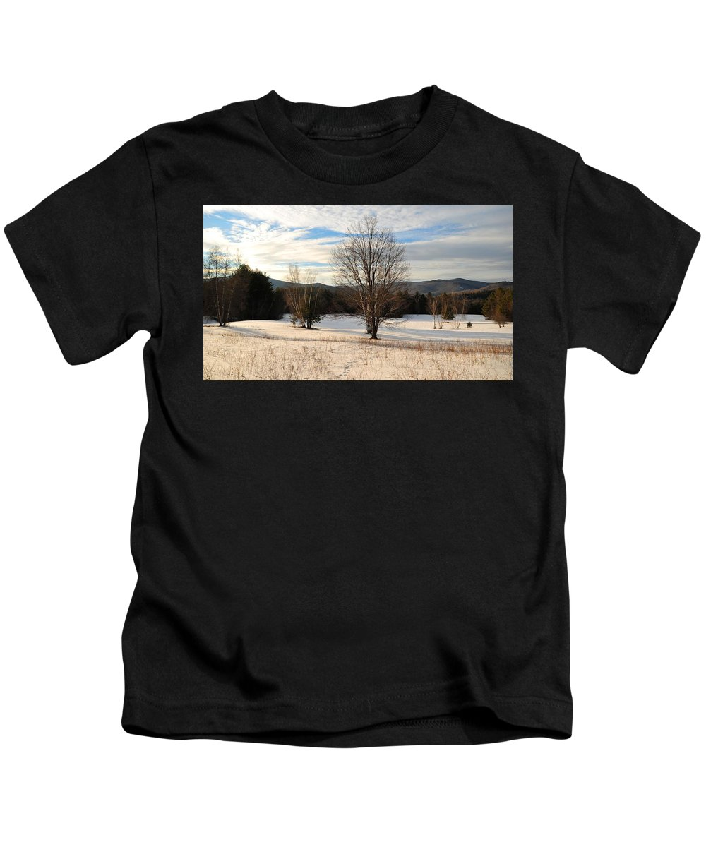 Back Roads Of New Hampshire January 28 Kids T-Shirt featuring the photograph Looking West Late Afternoon by Bill Driscoll
