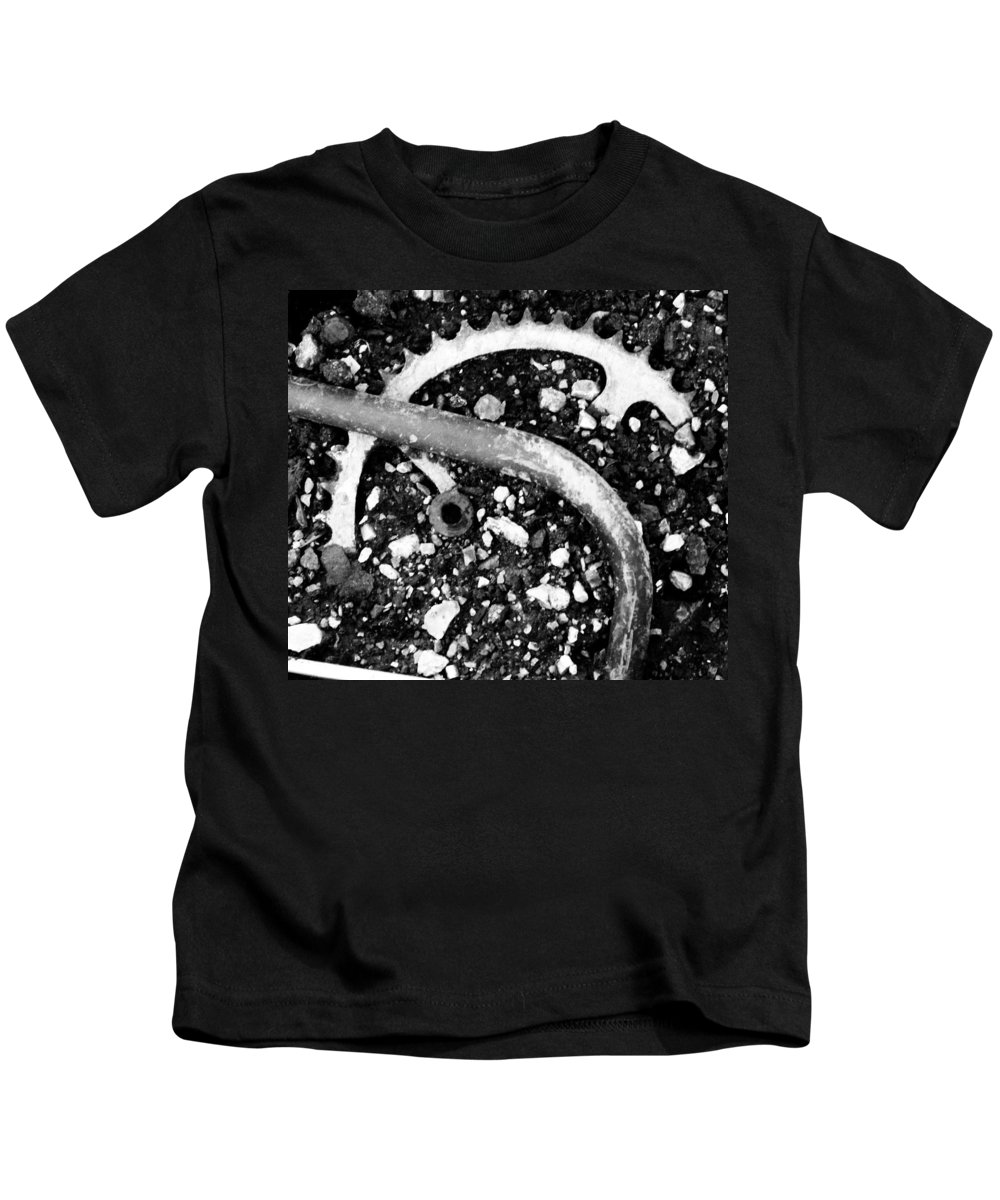 Metal Kids T-Shirt featuring the photograph Metallic Curves by Angus Hooper Iii