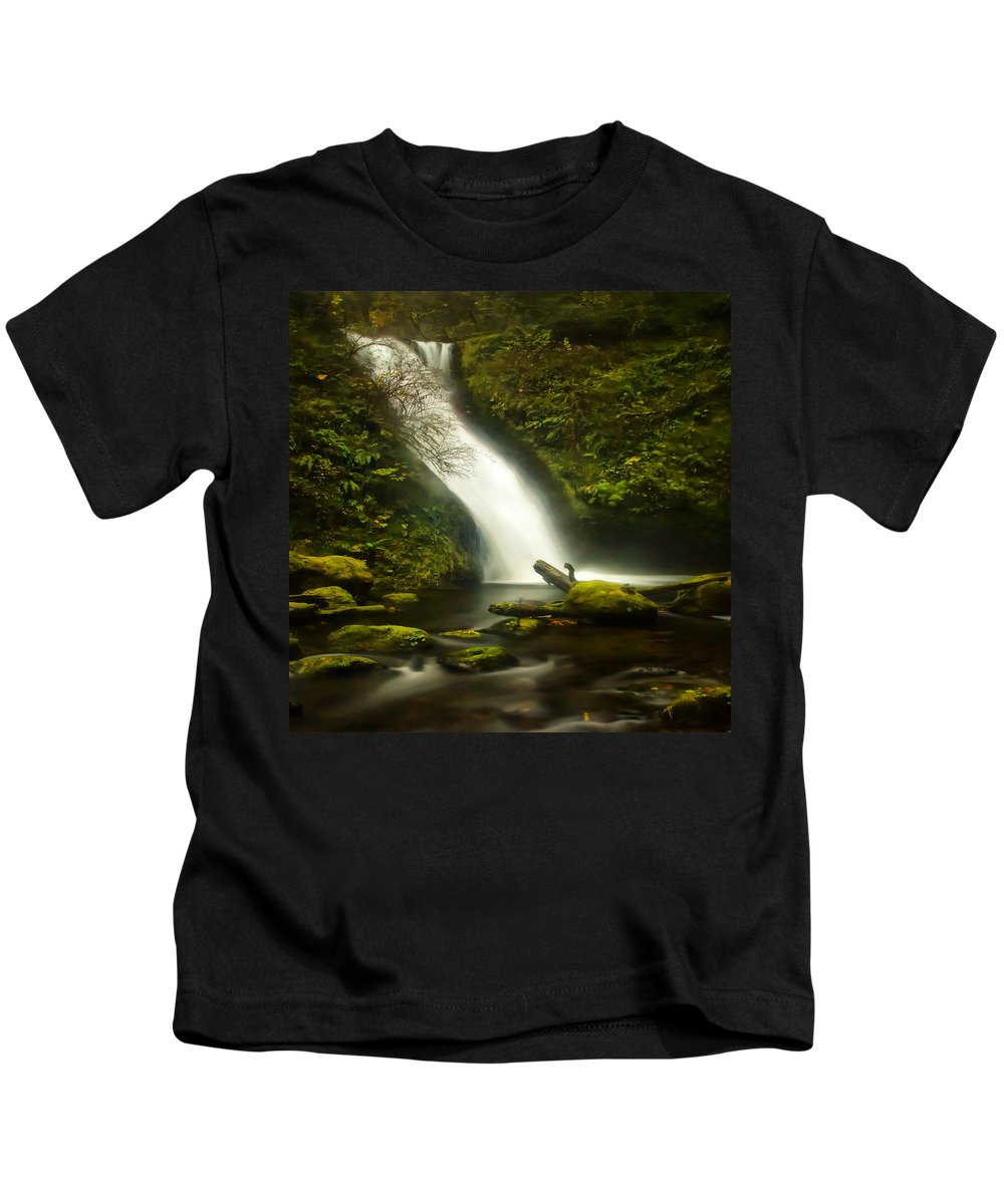 Clearwater Falls Kids T-Shirt featuring the photograph Middle Bridal Veil Falls by Ingrid Smith-Johnsen