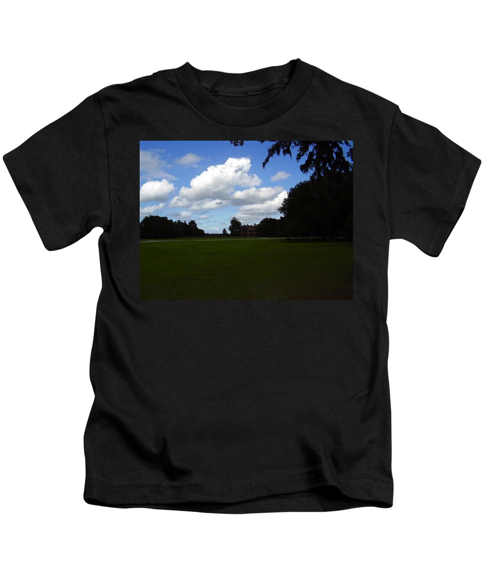 Middleton Place Kids T-Shirt featuring the photograph Middleton Place by Flavia Westerwelle
