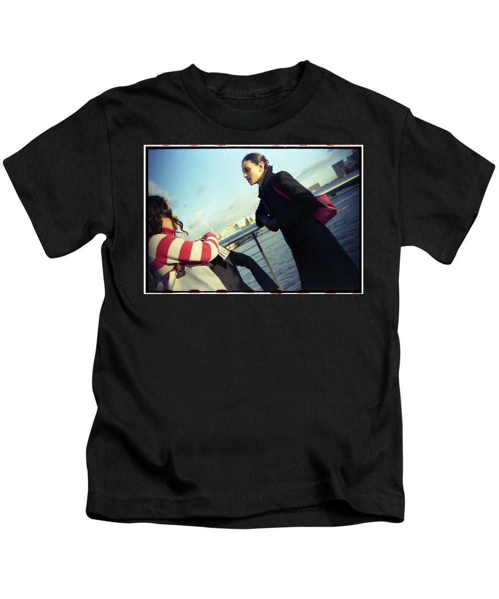 London Kids T-Shirt featuring the photograph Millenium Bridge II by Rafa Rivas
