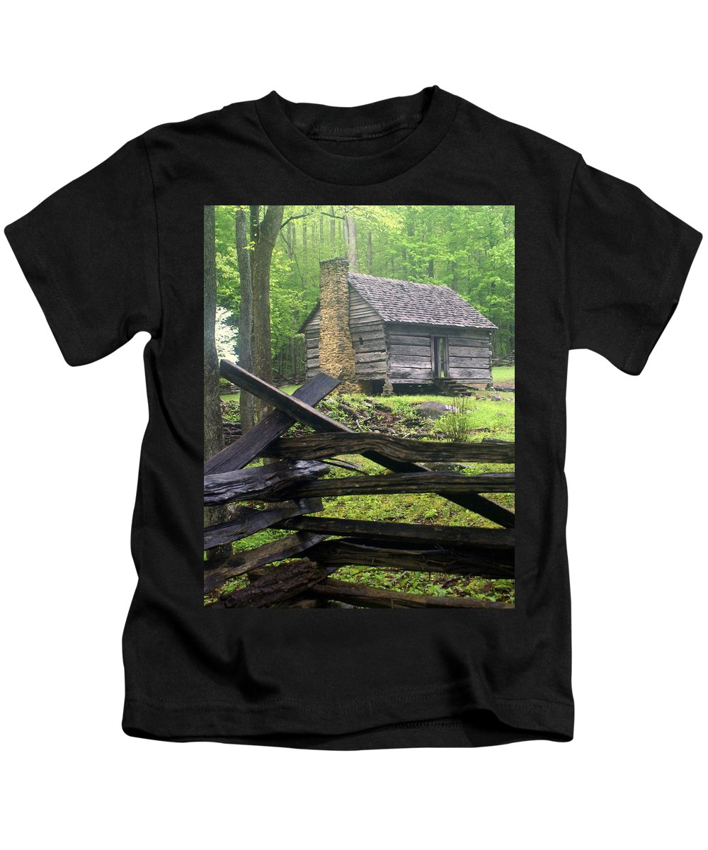 Smokey Mountain National Park Kids T-Shirt featuring the photograph Mountain Homestead by Marty Koch