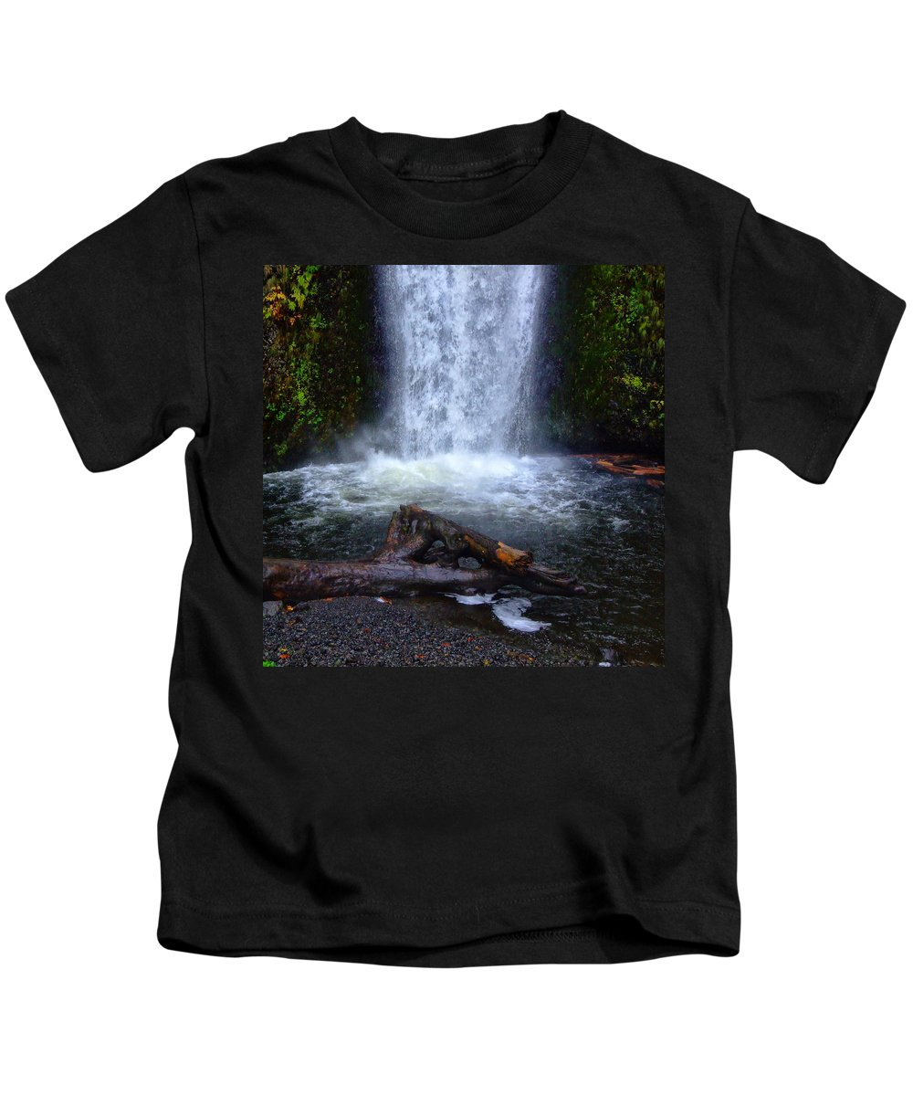 Clearwater Falls Kids T-Shirt featuring the photograph Multnomah Falls 5 by Ingrid Smith-Johnsen