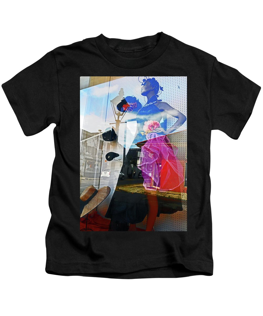 New Orleans Kids T-Shirt featuring the photograph New Orleans Statues 9 by Ron Kandt