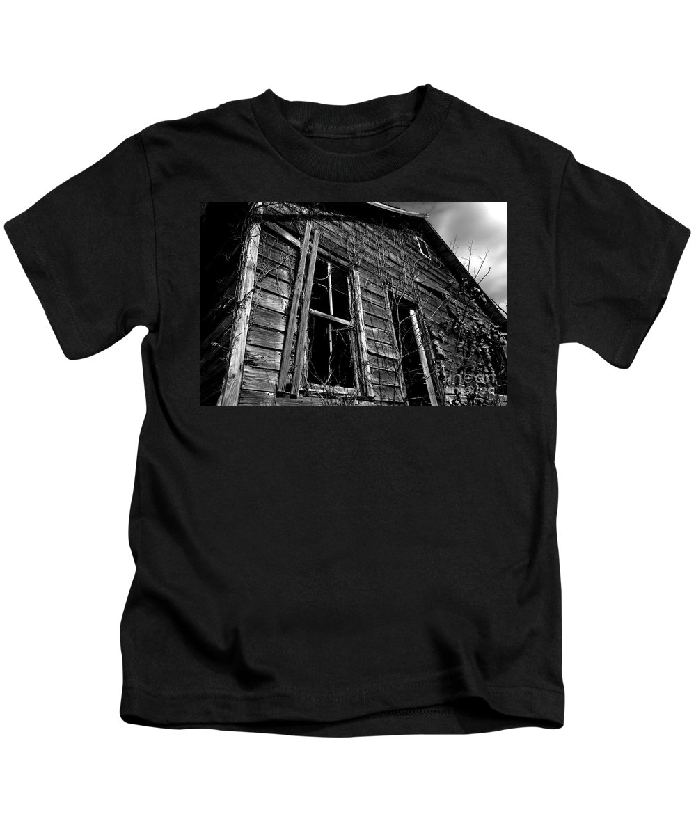 old House Kids T-Shirt featuring the photograph Old House by Amanda Barcon