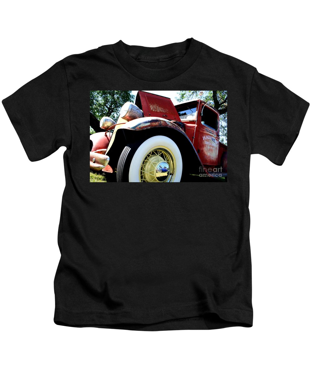 Fish Day Car Show 2010 Kids T-Shirt featuring the photograph Old Truck by Jamie Lynn