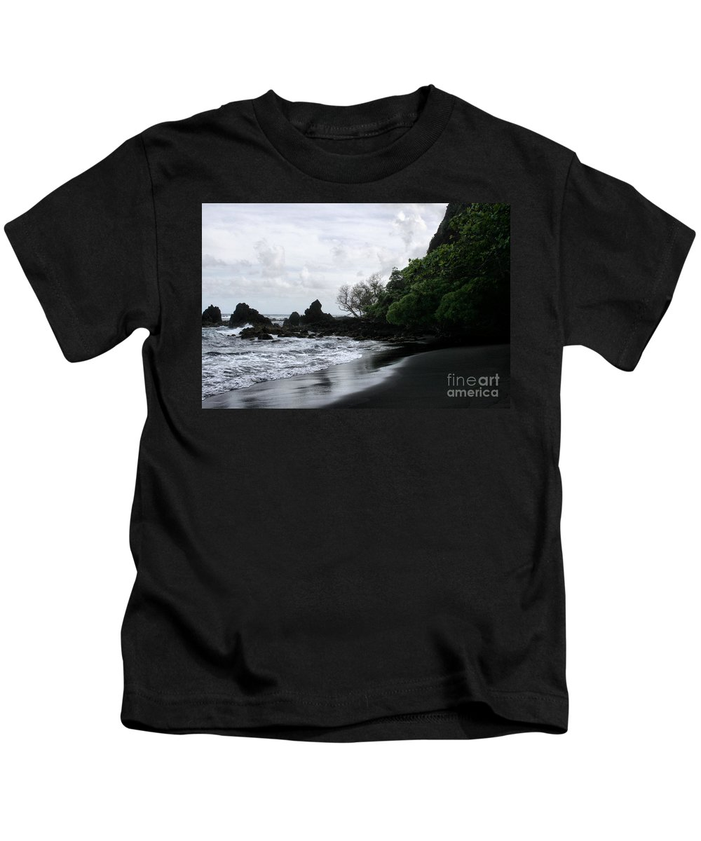 Aloha Kids T-Shirt featuring the photograph One Heart by Sharon Mau