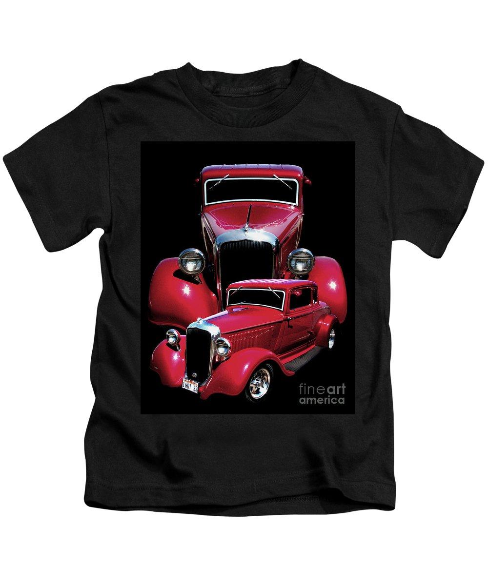 One Hot 33 Kids T-Shirt featuring the photograph One Hot 33 by Peter Piatt