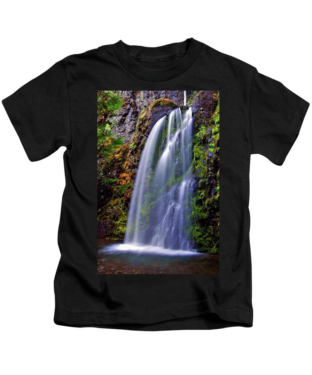 Waterfalls Kids T-Shirt featuring the photograph Oregon Falls by Scott Mahon