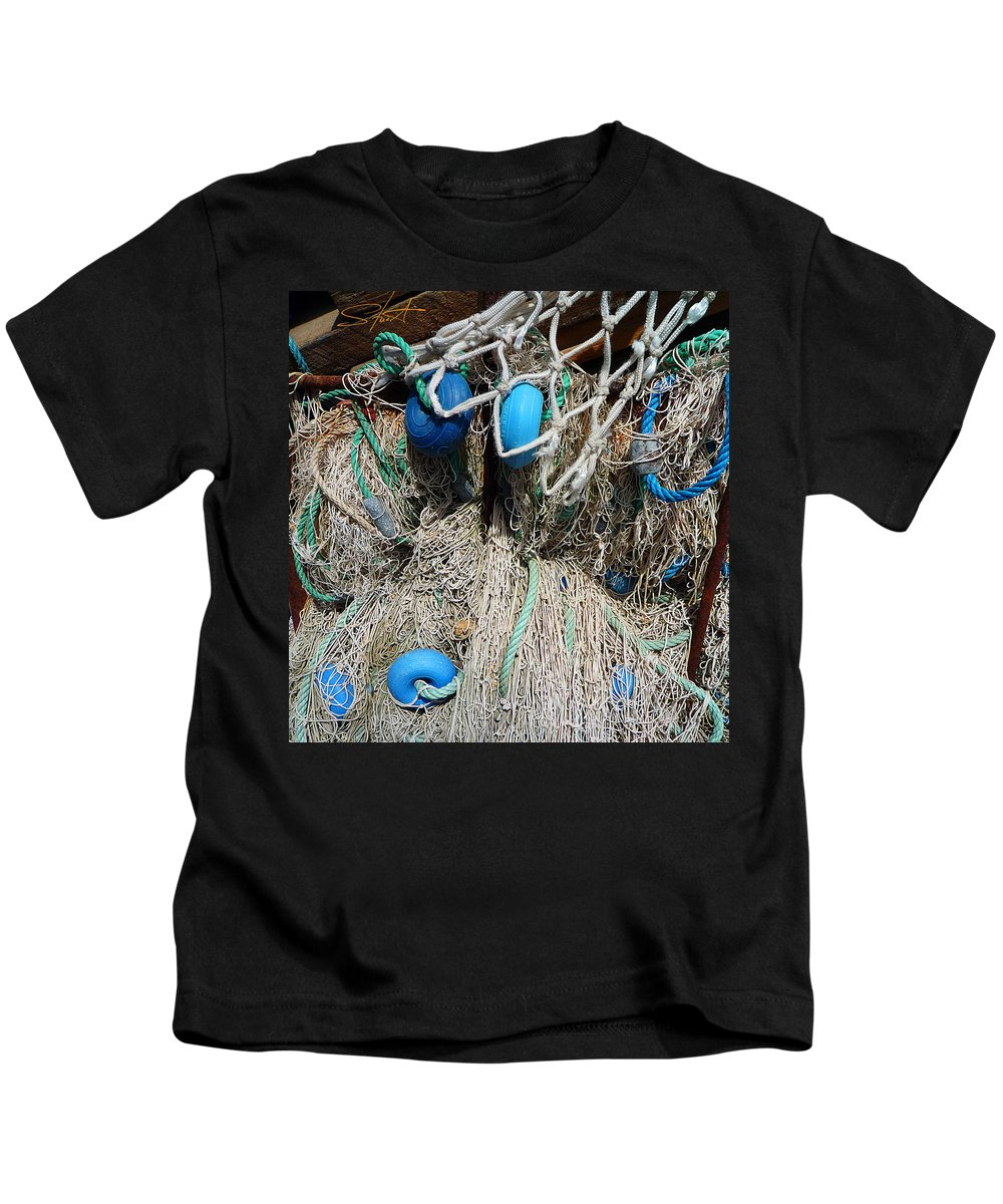 Fishing Net Kids T-Shirt featuring the photograph Pale Blue Rider by Charles Stuart