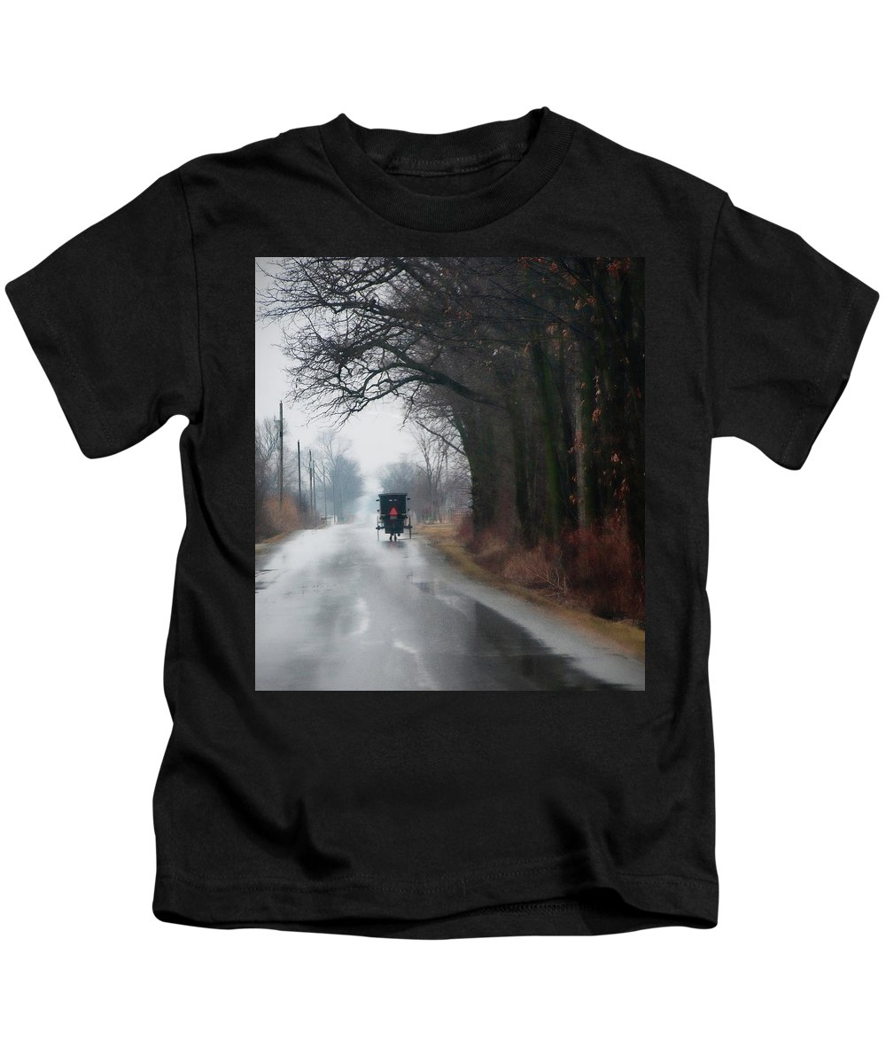 Amish Kids T-Shirt featuring the photograph Peaceful Road by David Arment