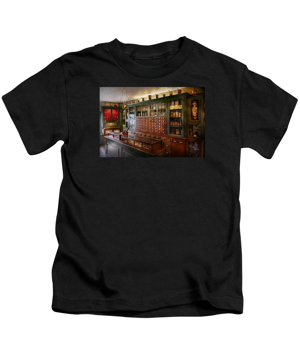 Doctor Kids T-Shirt featuring the photograph Pharmacy - I'll Be Out In A Minute by Mike Savad