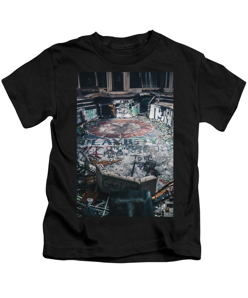 Landscape Kids T-Shirt featuring the photograph Playboy Mansion by Derrick Ragsdale