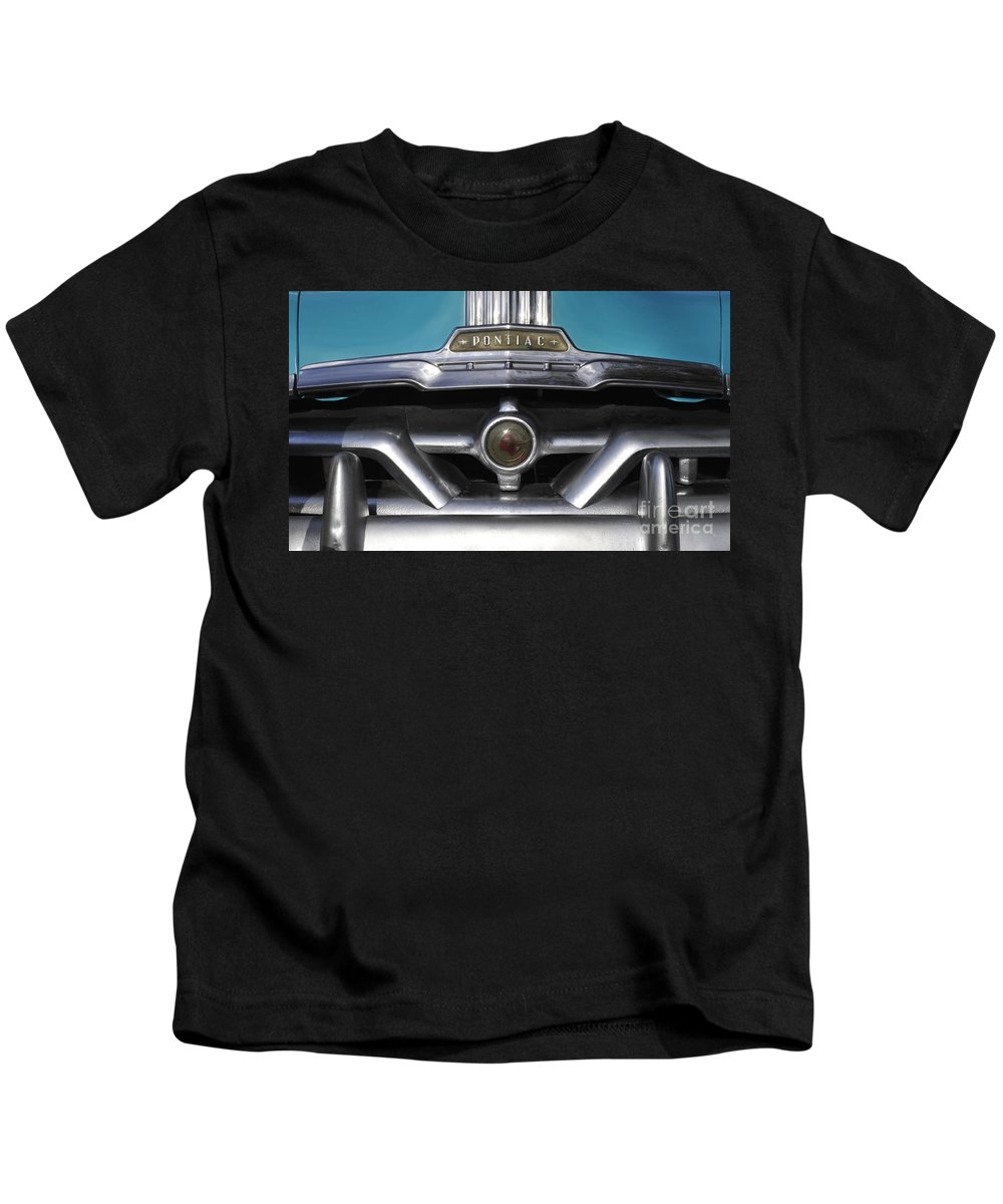Antic Kids T-Shirt featuring the photograph Pontiac Grill by David Lee Thompson