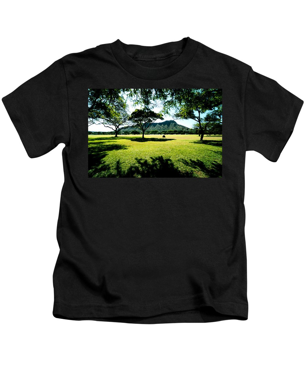 Diamond Head Kids T-Shirt featuring the photograph Queen Kapiolani Park by Kevin Smith