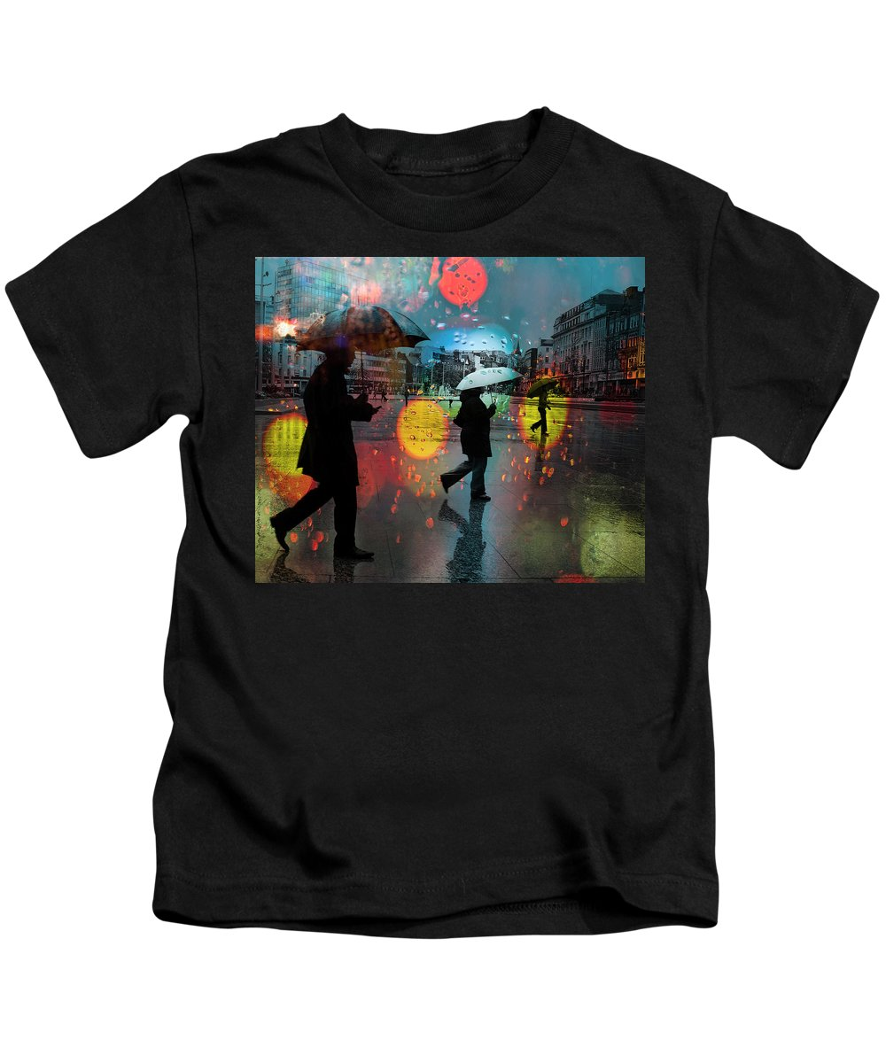 Rain Kids T-Shirt featuring the photograph Rainy City Scene by Mal Bray