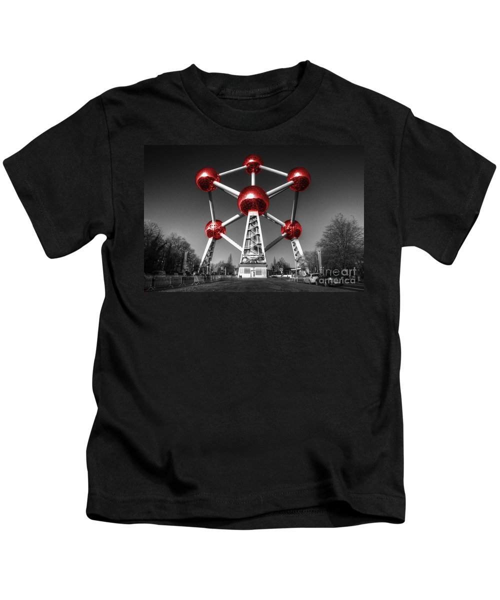 Atomium Kids T-Shirt featuring the photograph Red Atomium by Rob Hawkins