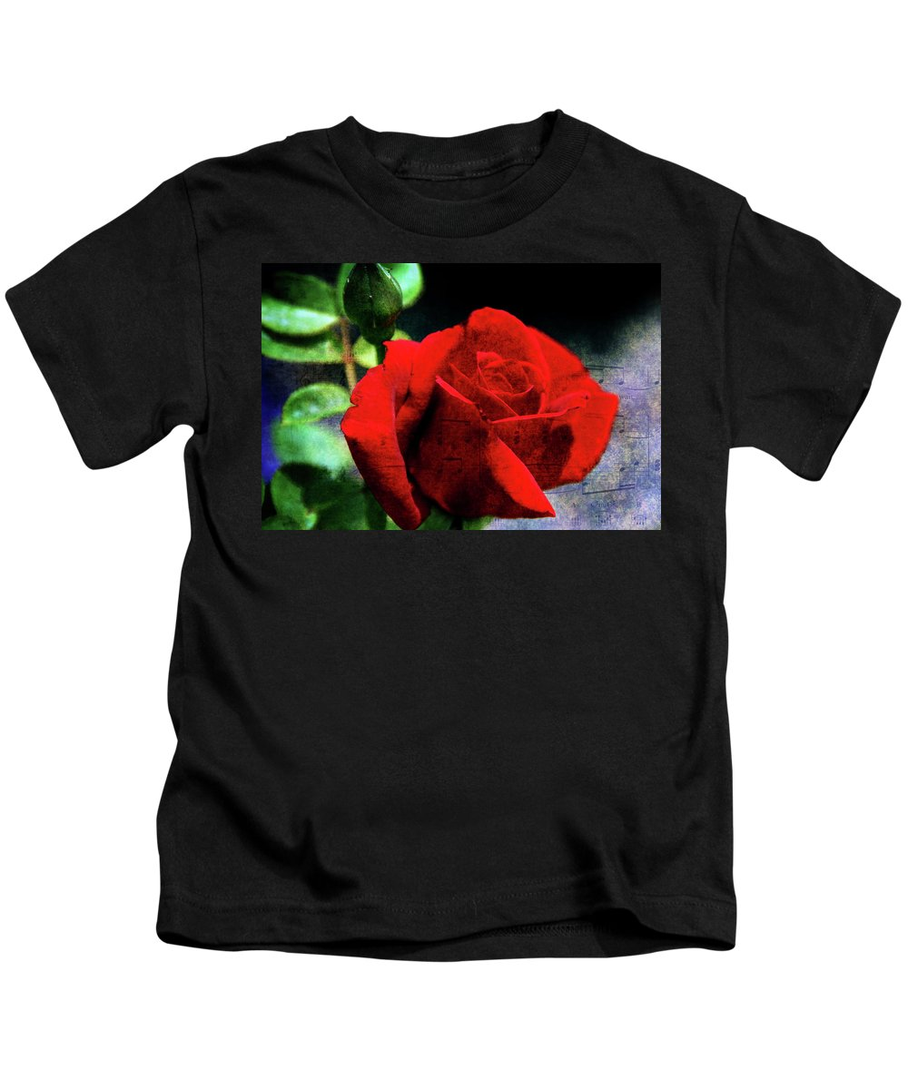 Rose Kids T-Shirt featuring the photograph Roses Are Red My Love by Susanne Van Hulst