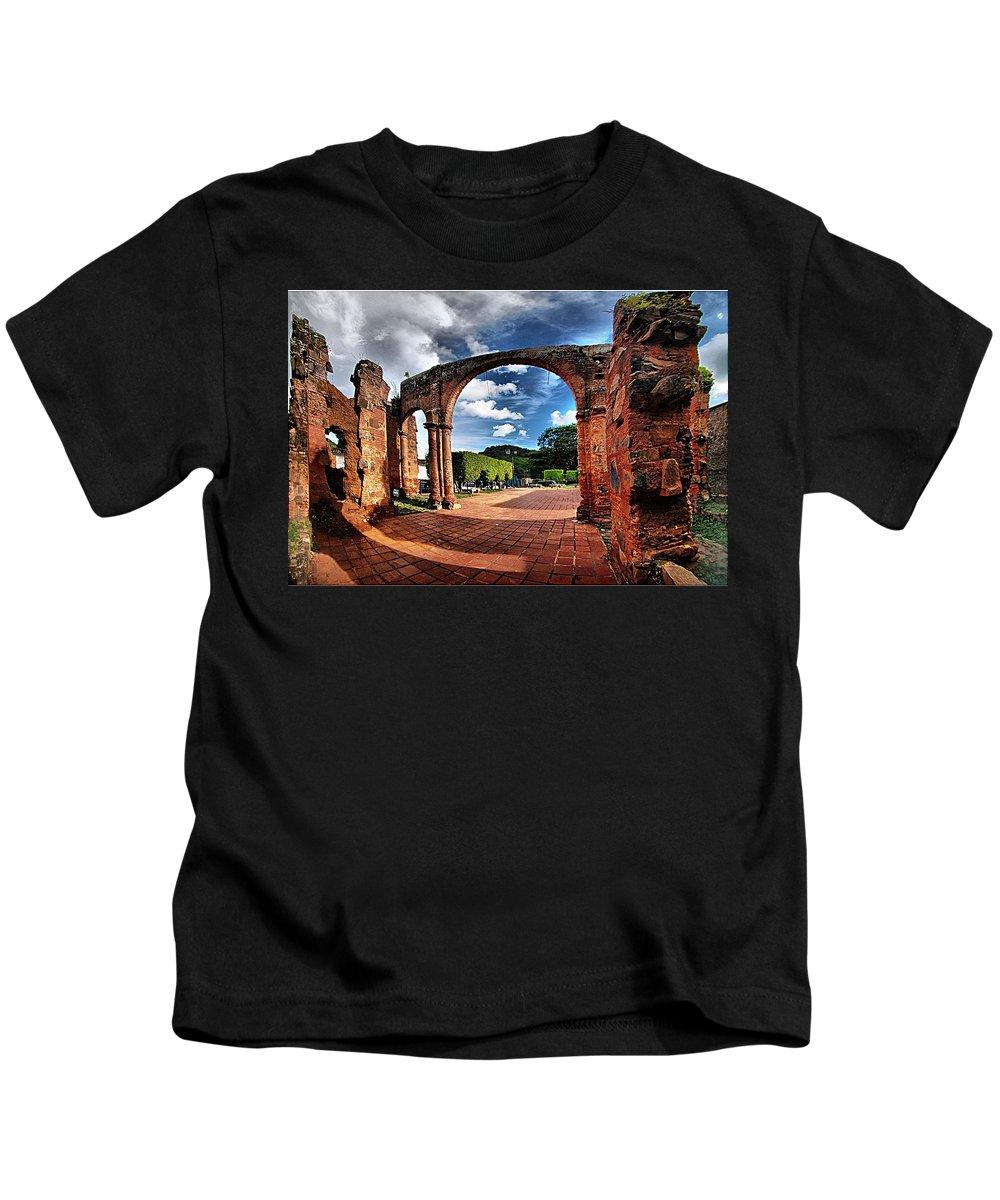 Kids T-Shirt featuring the photograph Ruinas En Altagracia by Galeria Trompiz