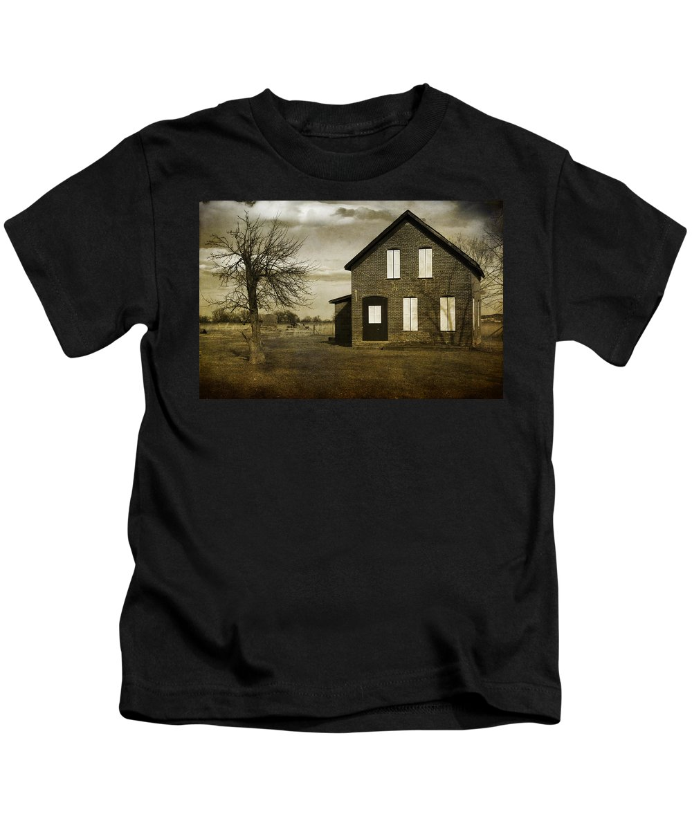 House Kids T-Shirt featuring the photograph Rustic County Farm House by James BO Insogna