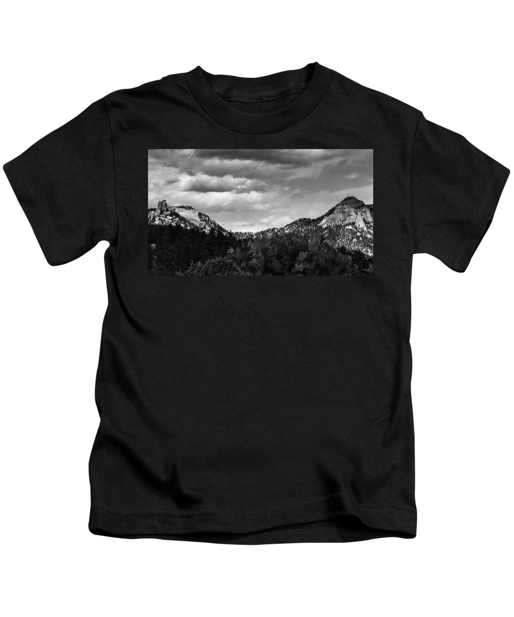 Cathedral Spires Kids T-Shirt featuring the photograph Saddle #1 by Don Nelson