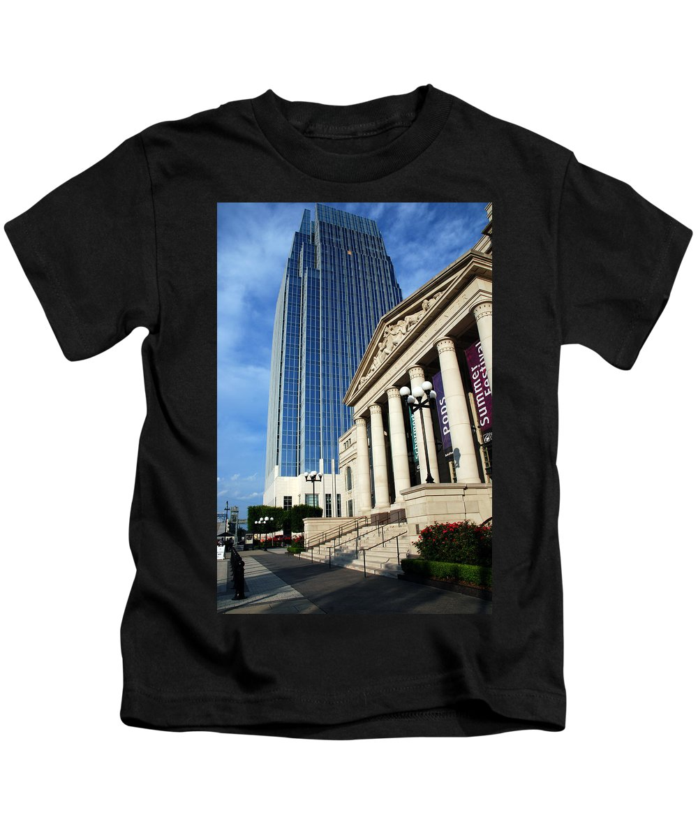 Nashville Kids T-Shirt featuring the photograph Schermerhorn Symphony Center Nashville by Susanne Van Hulst
