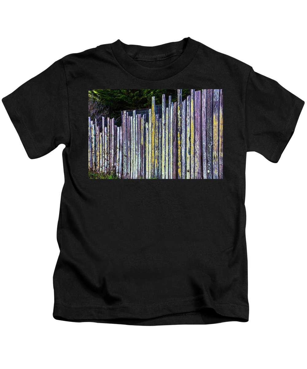 Seashore Kids T-Shirt featuring the photograph Seashore Fence by Garry Gay