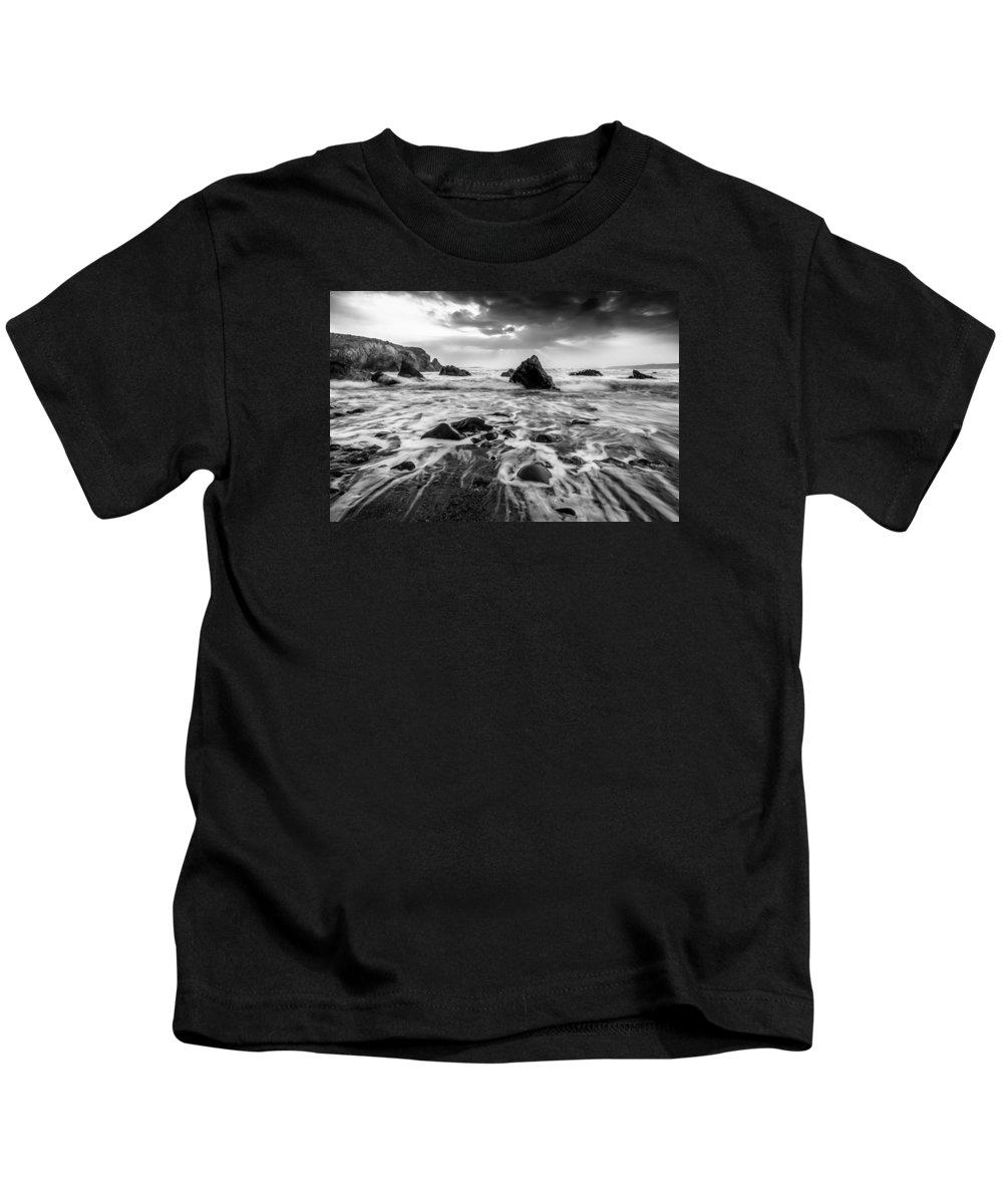 Seaside Kids T-Shirt featuring the photograph Seaside B/w by Michael Damiani