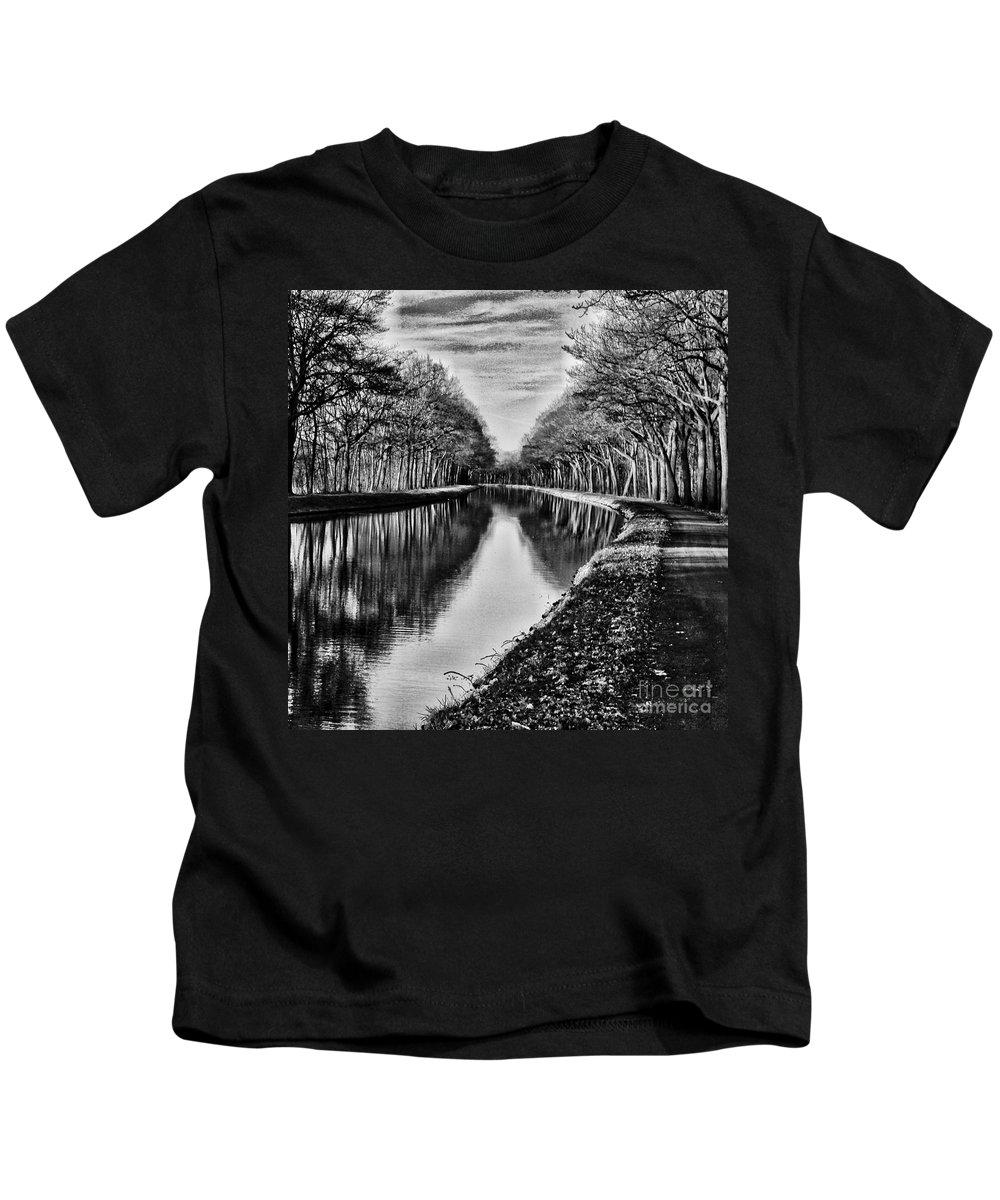 Kids T-Shirt featuring the photograph Shortest Distance by Biz Bzar