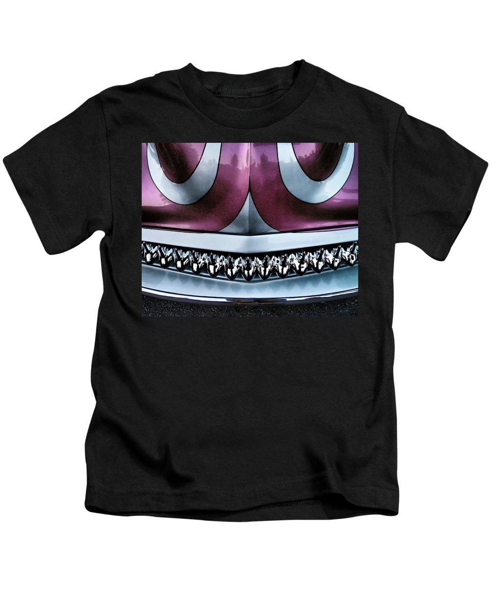 Showdown 4 Kids T-Shirt featuring the photograph Showdown 4 by Skip Hunt