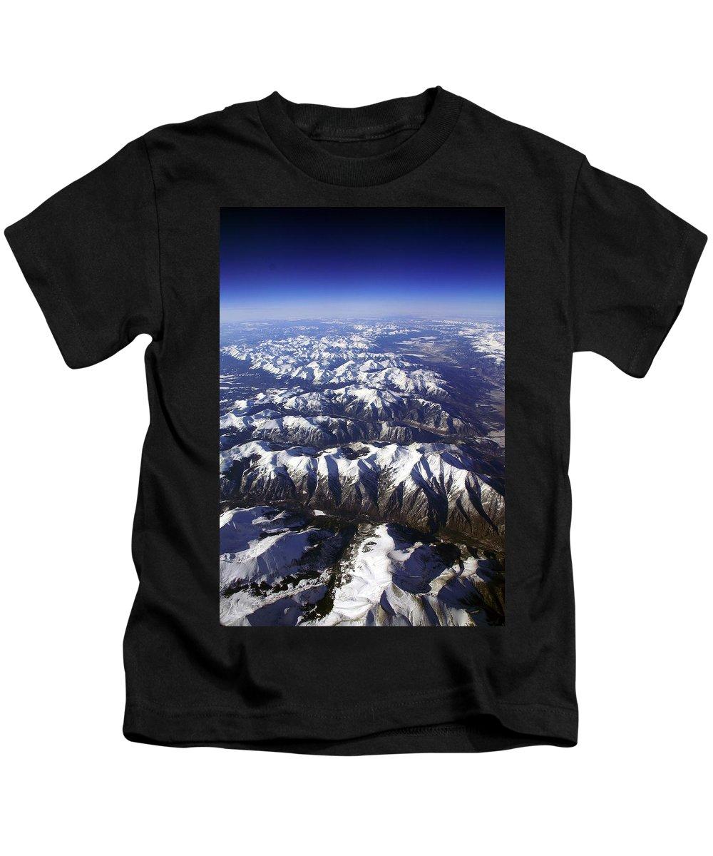 Sierra Nevada Kids T-Shirt featuring the photograph Sierra Nevada Range by Fred Perez