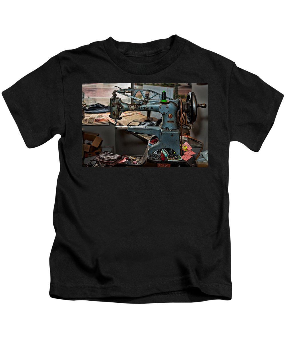 Machine Kids T-Shirt featuring the photograph Singer 29k71 by Christopher Holmes