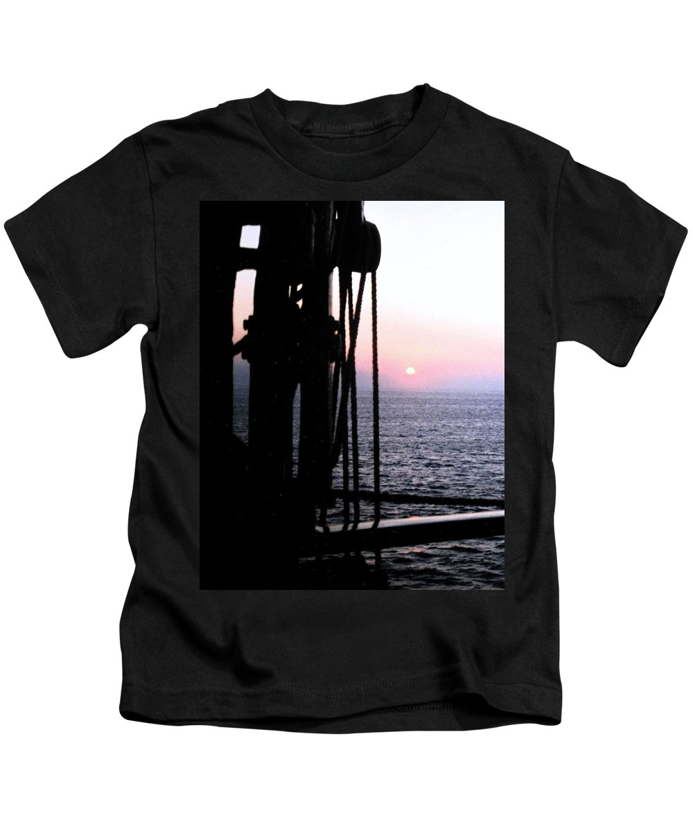 Ship Kids T-Shirt featuring the photograph Sinking Sun by Ian MacDonald