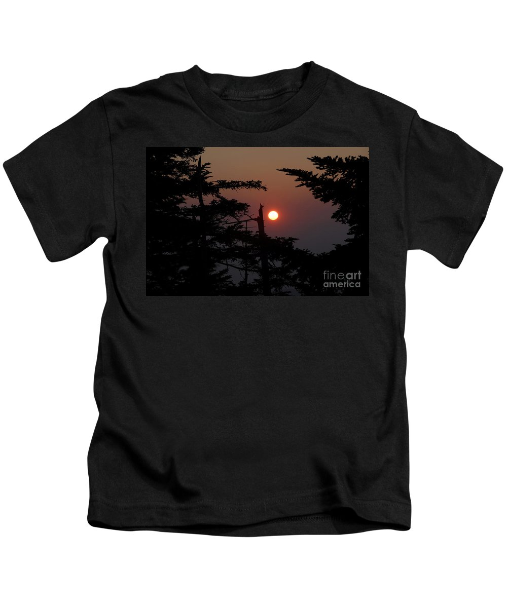 Smoky Mountain National Park Kids T-Shirt featuring the photograph Smoky Mountain Sunset by David Lee Thompson