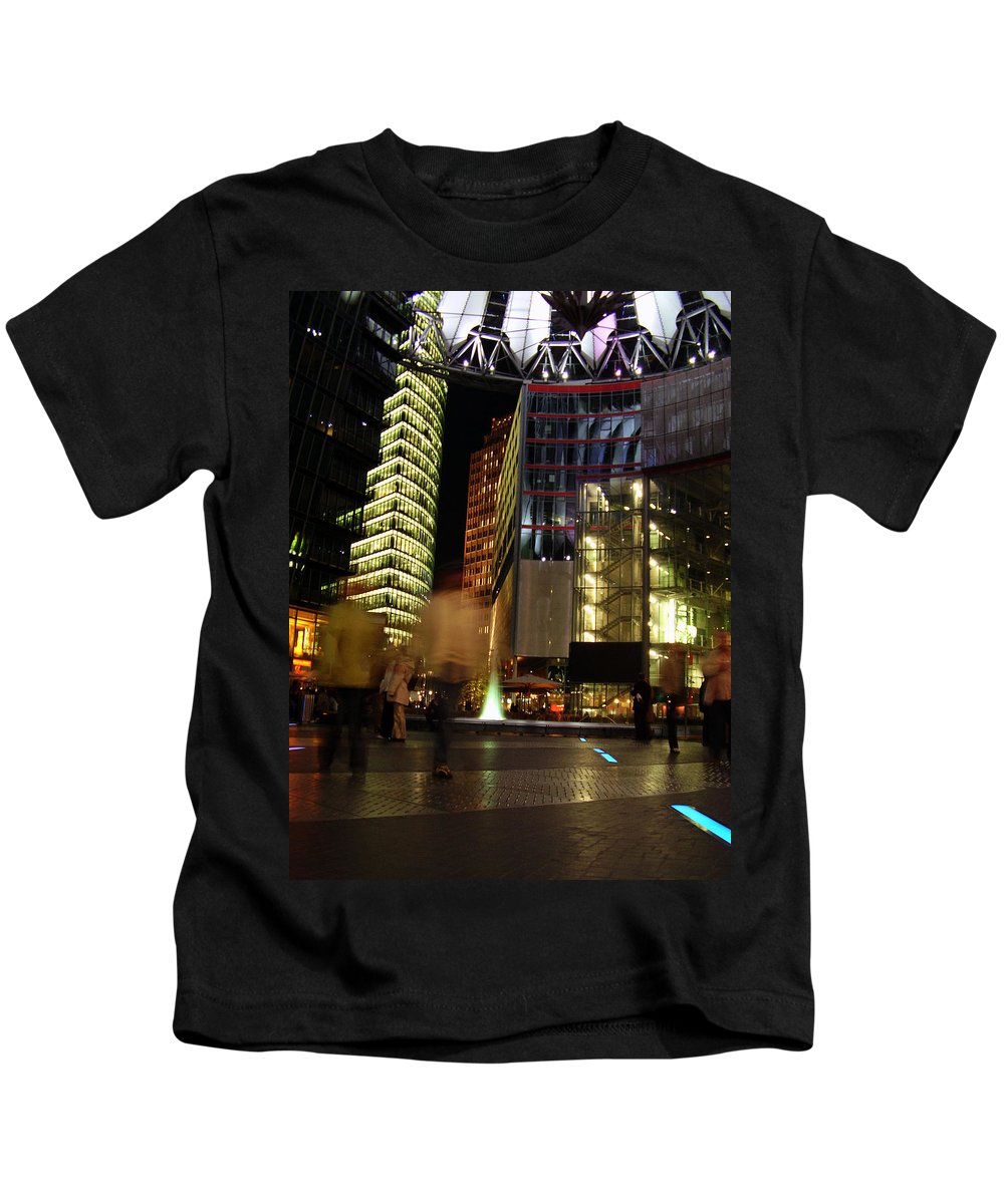 Sony Center Kids T-Shirt featuring the photograph Sony Center by Flavia Westerwelle
