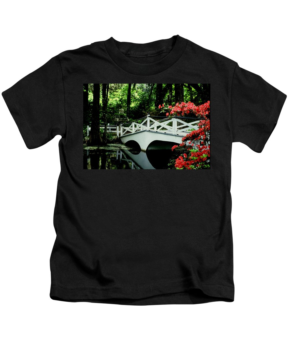 White Bridge Kids T-Shirt featuring the photograph Southern Splendor by Gary Wonning