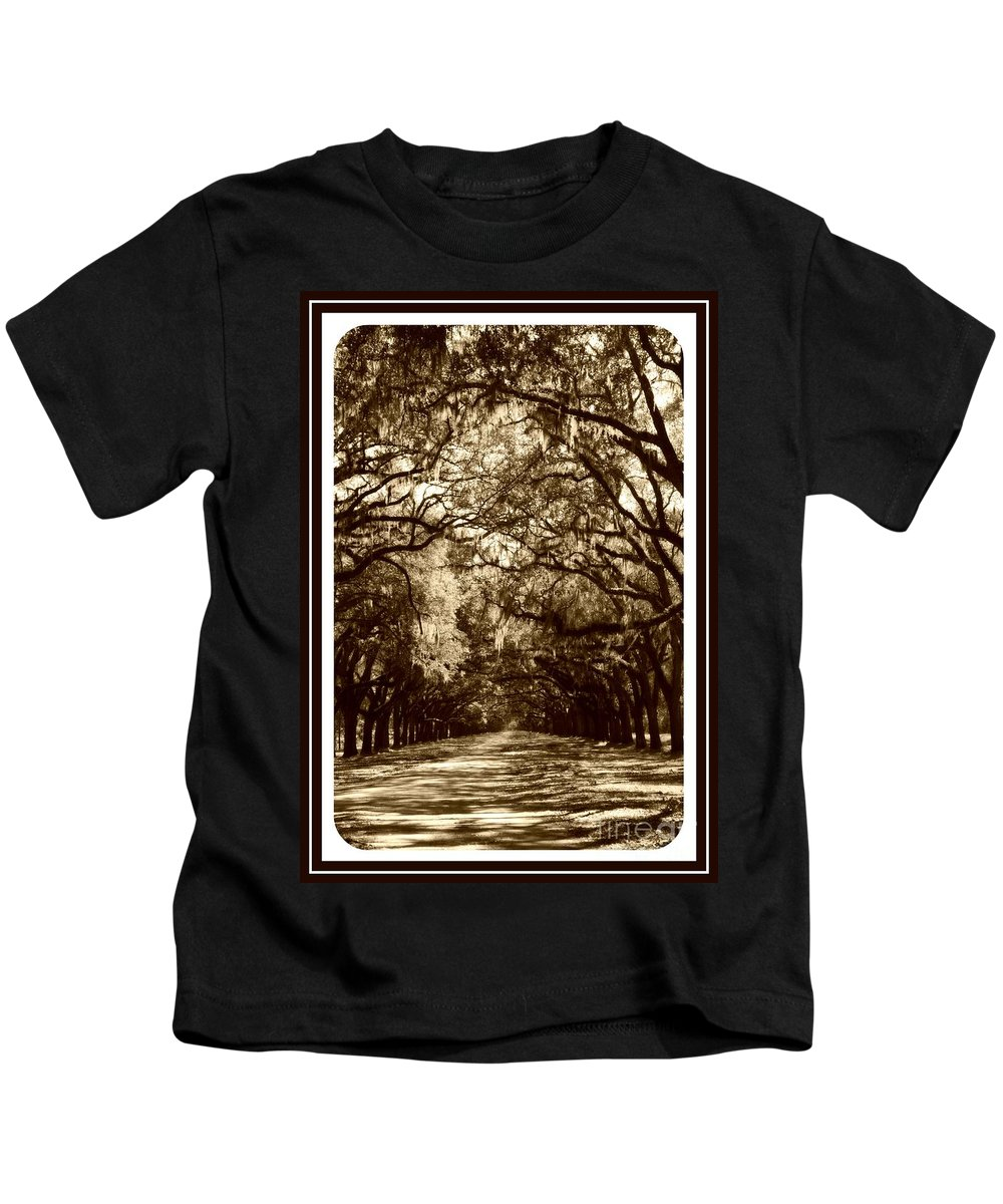 Brown Kids T-Shirt featuring the photograph Southern Welcome In Sepia by Carol Groenen