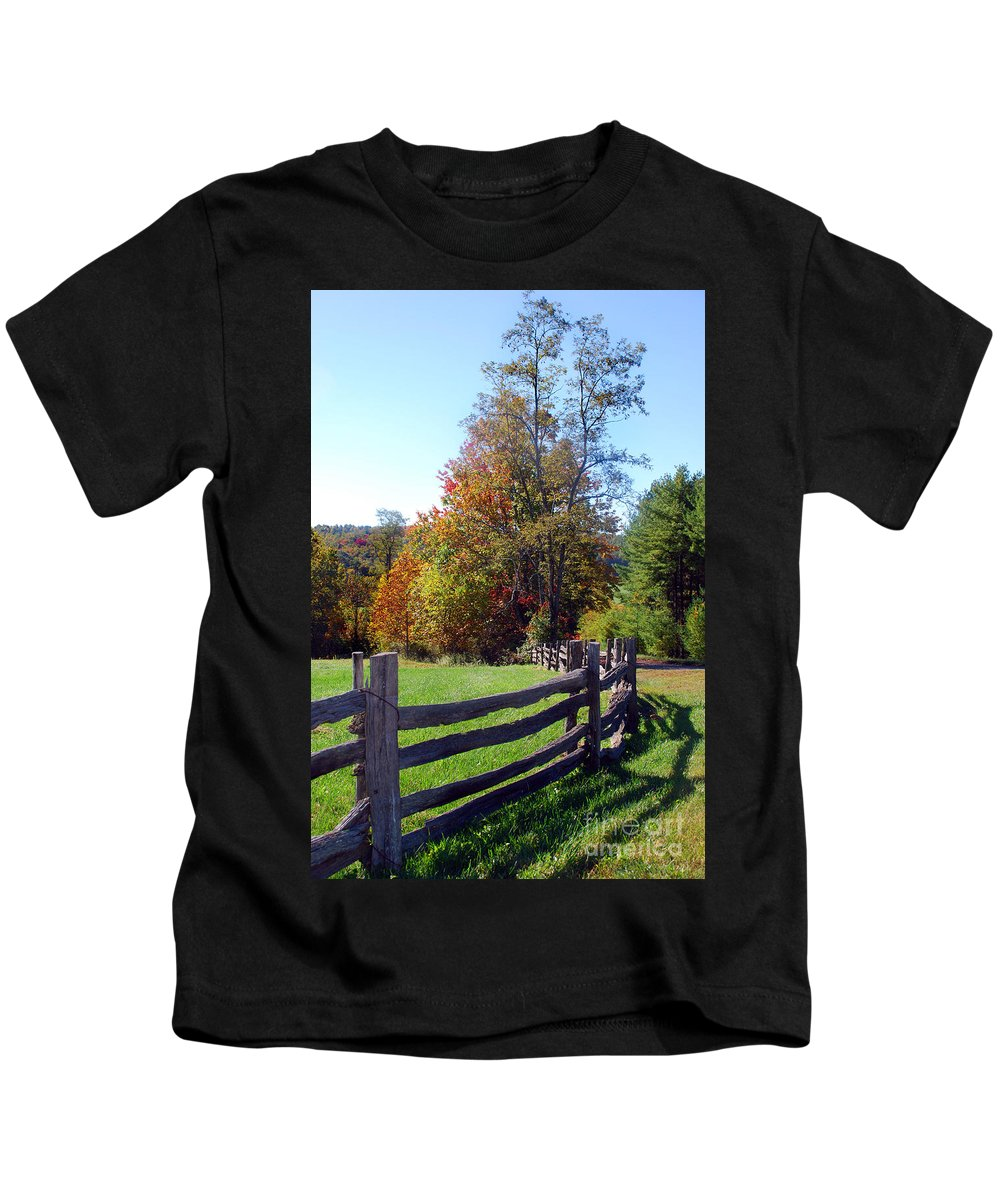 Scenic Tours Kids T-Shirt featuring the photograph Split Rails by Skip Willits