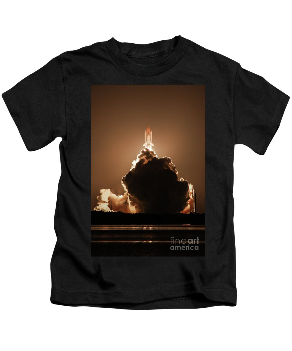 Cape Canaveral Kids T-Shirt featuring the photograph Sts-128 Night Launch by George Lehmann