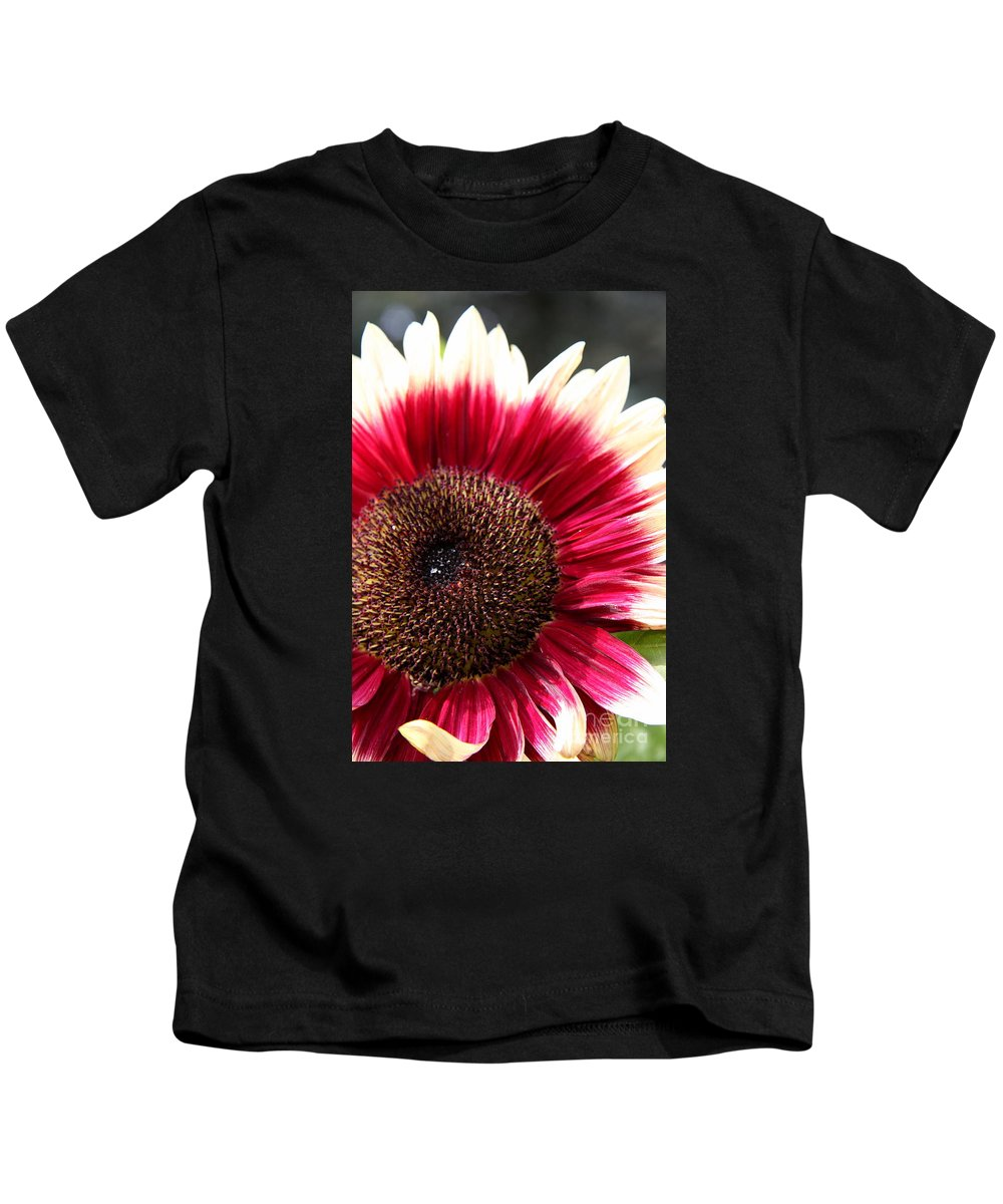 Sunflower Kids T-Shirt featuring the photograph Sunflower Core by Christiane Schulze Art And Photography