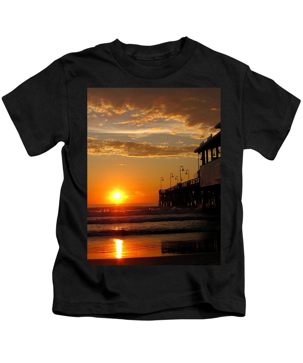 Daytona Kids T-Shirt featuring the photograph Sunrise At Daytona Beach Pier 004 by Chris Mercer