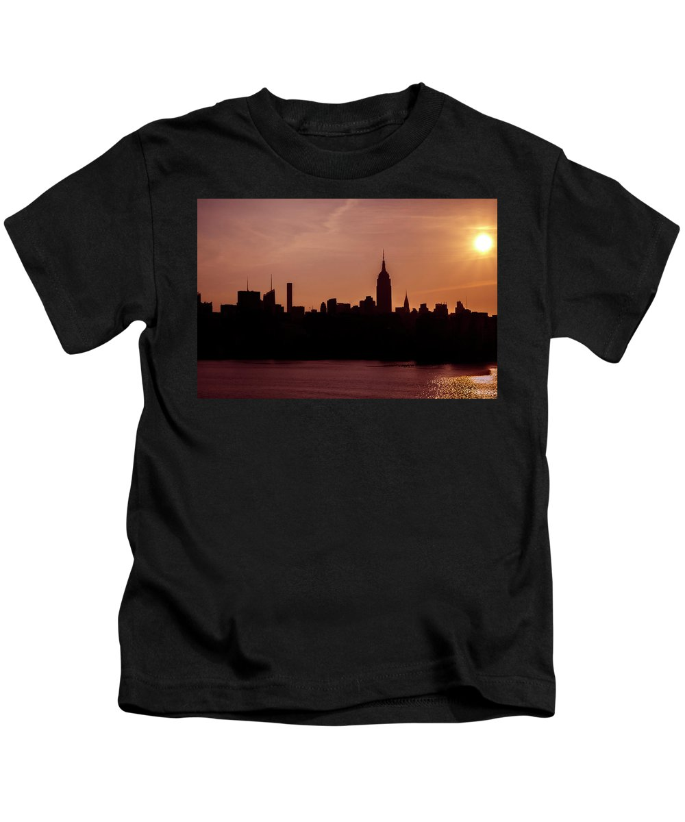 Nye Kids T-Shirt featuring the photograph Sunrise Silhouette Nyc. by Chris Rossi