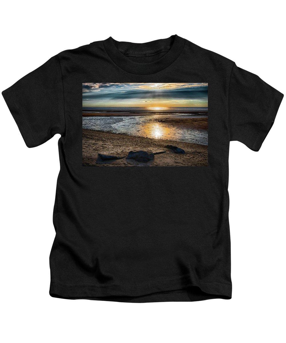 Sunset Kids T-Shirt featuring the photograph Sunset At Brewster Flats by Robert Anastasi