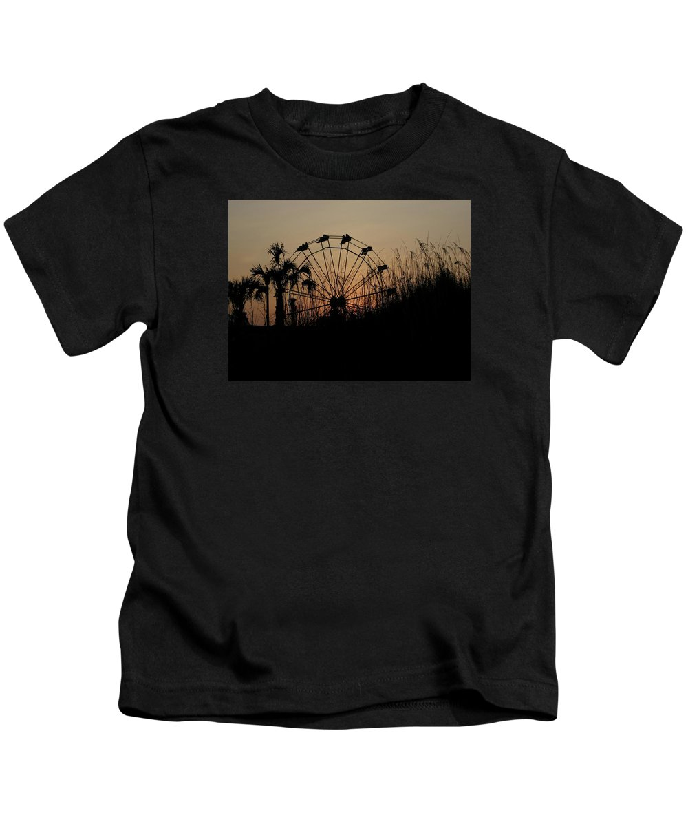 Ferris Wheel Kids T-Shirt featuring the photograph Sunset Ride by Bev Veals