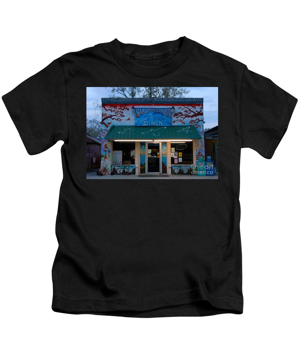 Suwanee River Kids T-Shirt featuring the photograph Suwannee River Diner by David Lee Thompson