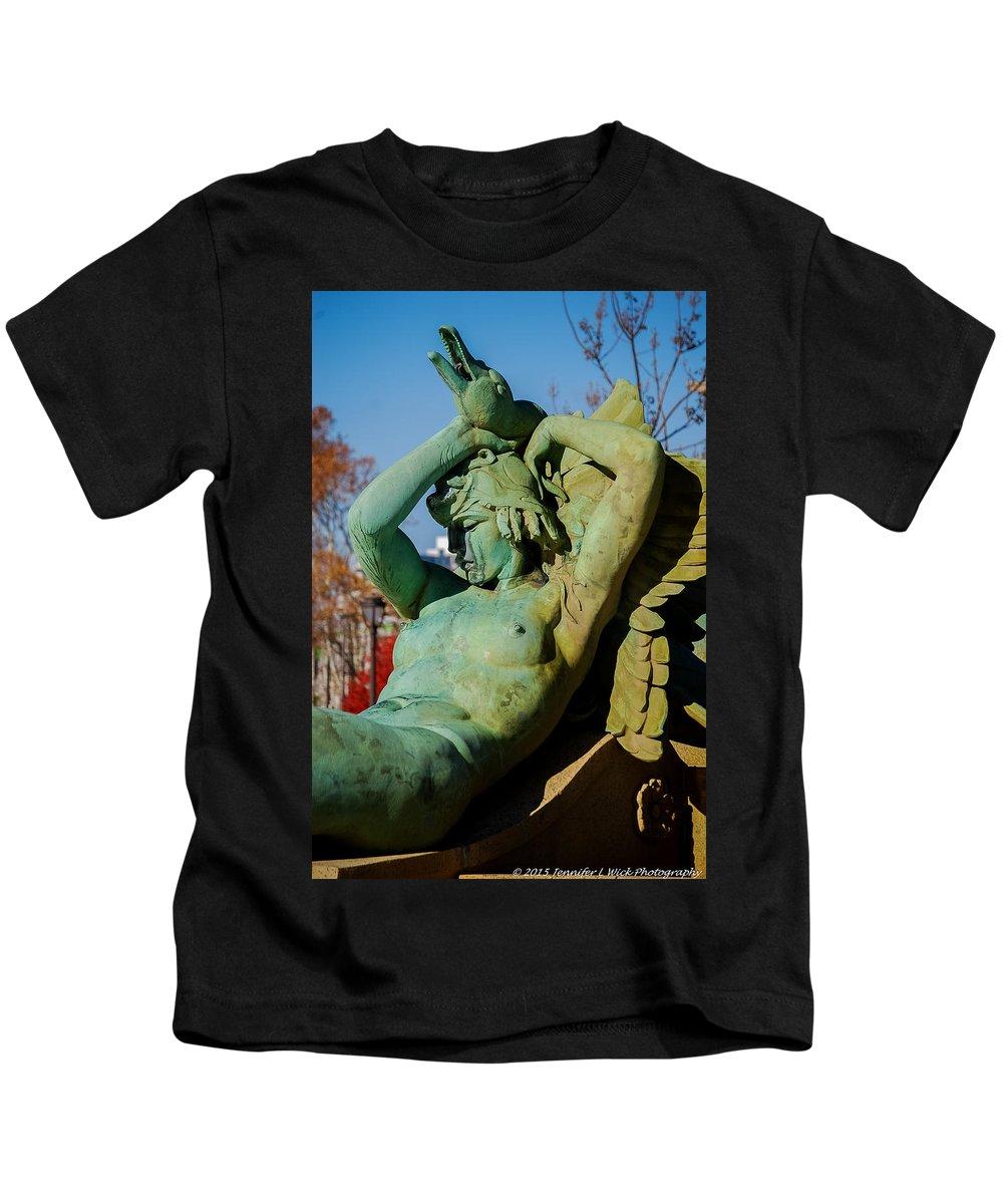 Fountain Kids T-Shirt featuring the photograph Swann Memorial Fountain by Jennifer Wick