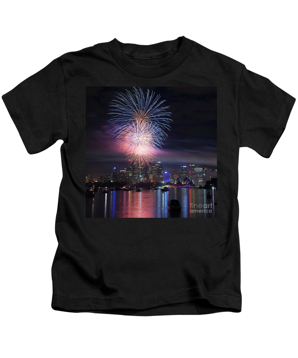 Sydney Kids T-Shirt featuring the photograph Sydney Fireworks by Matteo Colombo