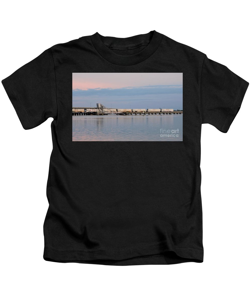Csx Train Kids T-Shirt featuring the photograph Tail End by Beth Williams